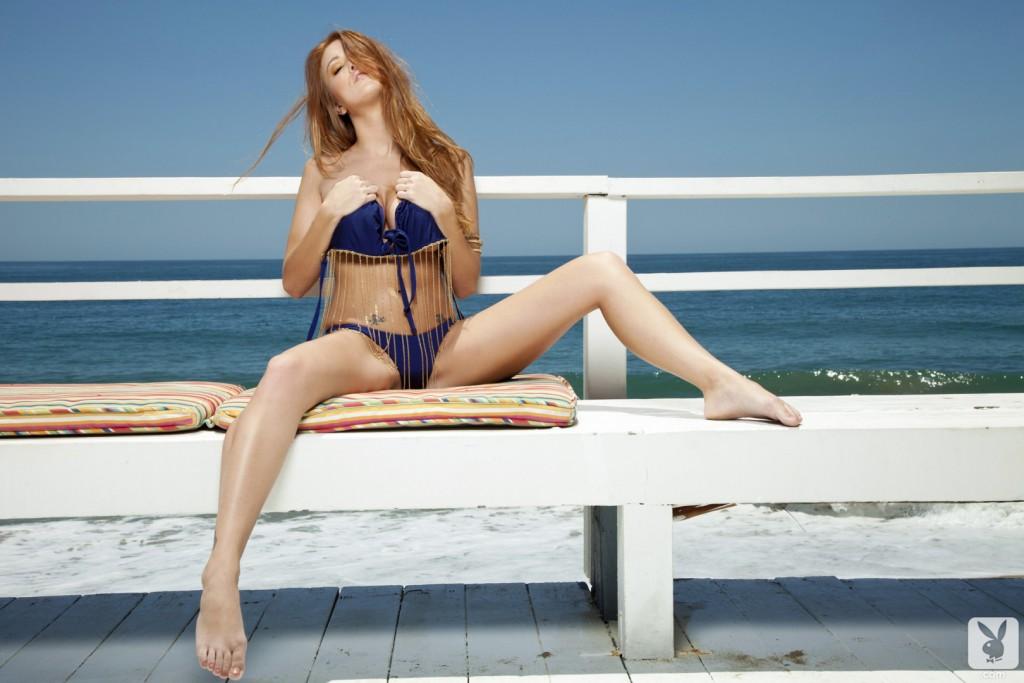 Sexy Redhead Cybergirl Babe Leanna Decker