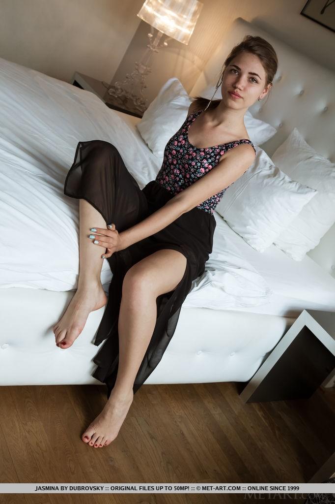 Presenting Teen Babe Jasmina By Dubrovsky