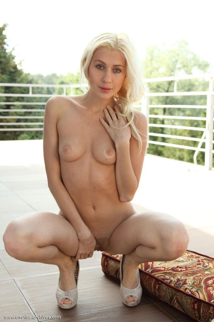 Beautiful Blonde Viviene in Idnose